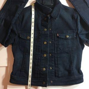 Levi's Jackets & Coats - Levi Strauss Women's Jean Jacket Size 6